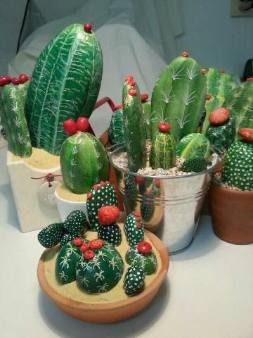 piedras pintadas de cactus a mano