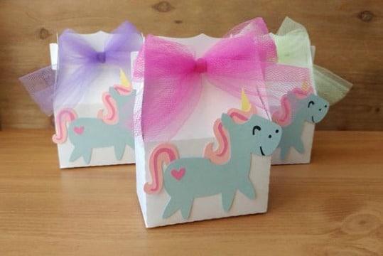 cajitas de regalo con cartulina para fiestas