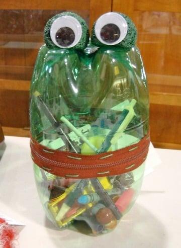 cartucheras de botellas de plastico para niños
