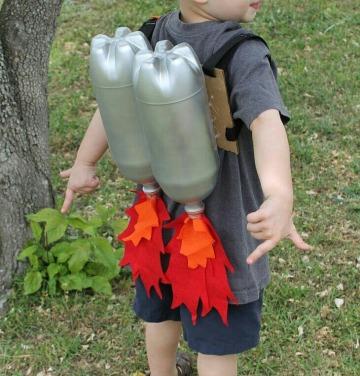 como reciclar botellas de plastico para niños