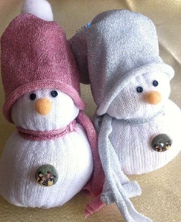 hacer muñeco de nieve con calcetines facil