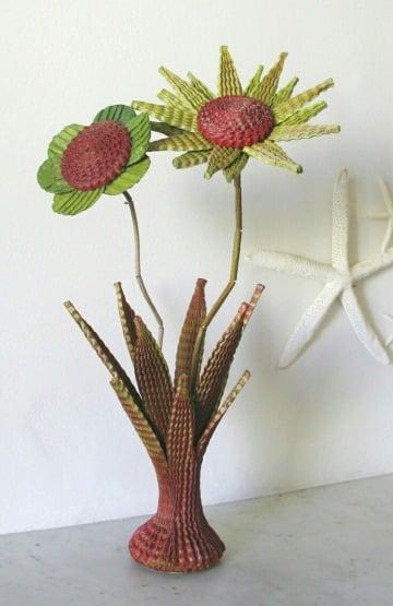 como hacer un florero de carton reciclado