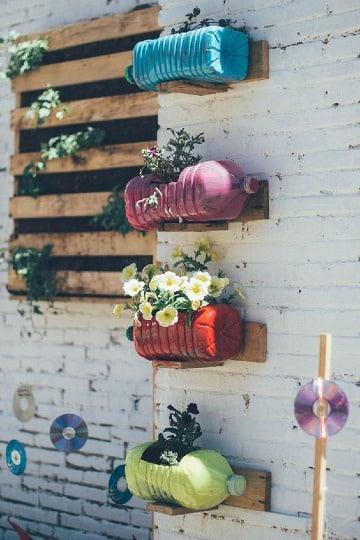 floreros con botellas plasticas pintadas