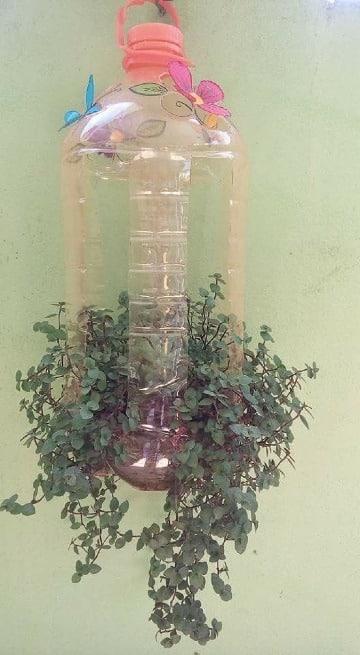 floreros con botellas plasticas recicladas