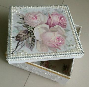 cajas decoradas con servilletas flores