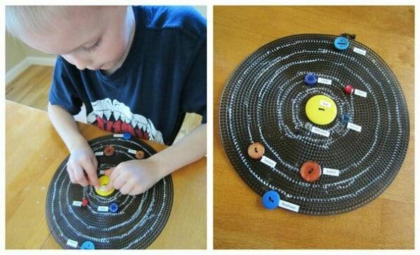 como hacer un sistema solar reciclado para niños