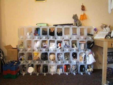 muebles con botellas de plastico recicladas