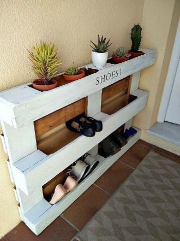 zapatera de madera hecha en casa facil de hacer