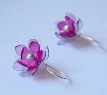 como hacer flores con material reciclado sencillas