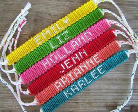 diseños de pulseras de hilo con nombre