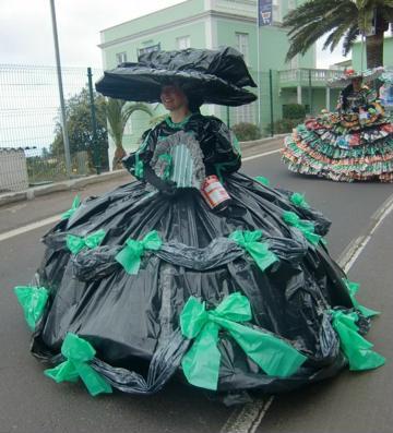 como hacer vestidos reciclados de bolsas desfraces