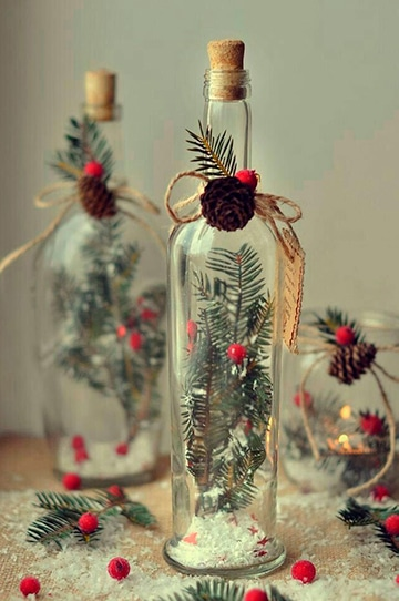 adornos navideños con botellas de vidrio