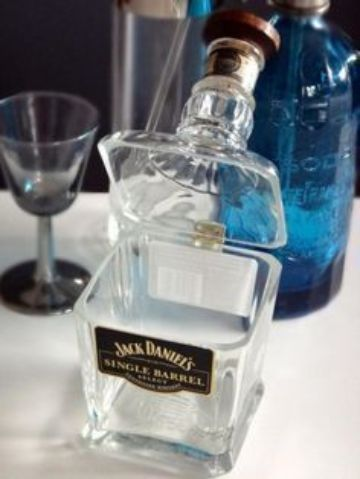 manualidades con botellas de vidrio cortadas