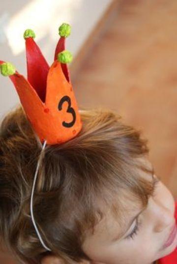 corona con tubos de papel higienico para niños