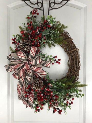 adornos navideños para puertas con madera