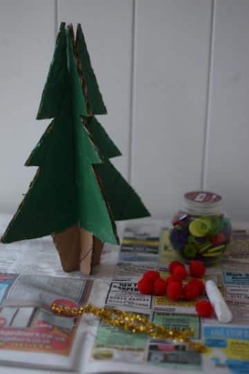 arboles hechos con carton para escritorio