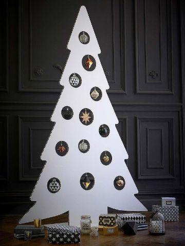 arboles navideños de carton blancos