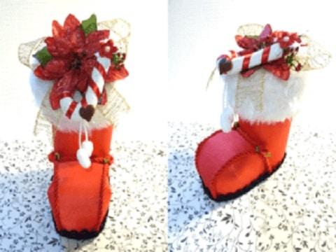 botas navideñas con botellas y fieltro