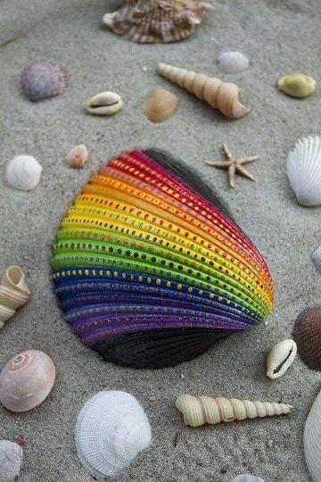 conchas pintadas a mano arcoiris