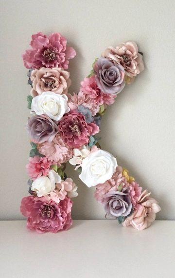 letras hechas con flores para cumpleaños