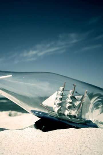 barcos hechos con botellas horizontales