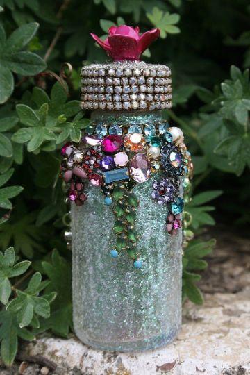 manualidades con botellas de cristal con piedras