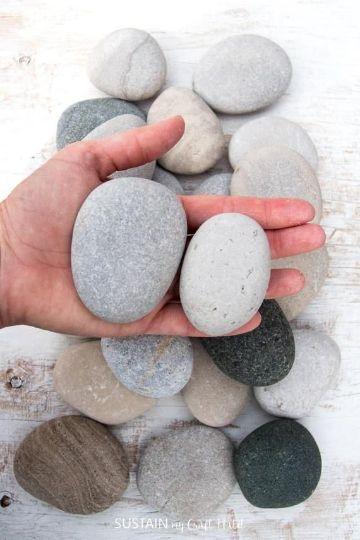 manualidades con piedras de playa para decorar