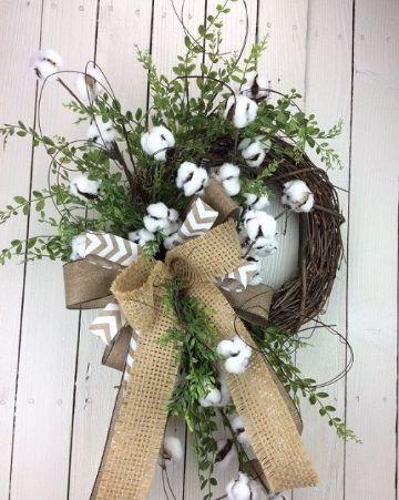 cosas hechas de algodon y ramas secas