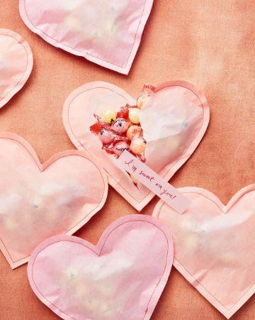 manualidades de corazones de papel sencillos