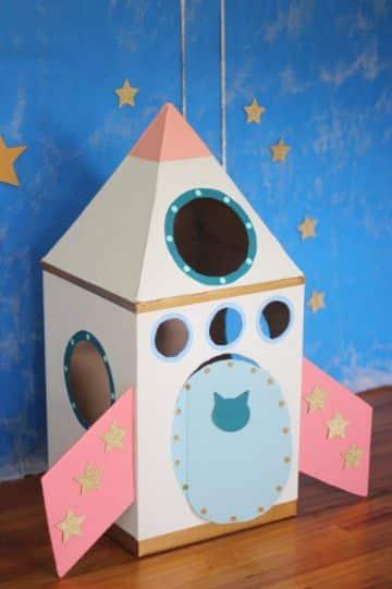 reciclado con cajas de carton para niñas