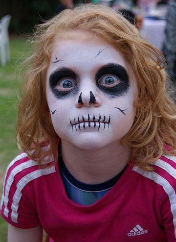 caras pintadas de calaveras para niños sencilla