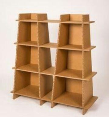 repisas con cajas de carton para la casa