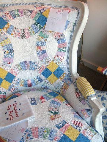 tapete con retazos de tela para muebles