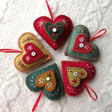 adornos navideños de fieltro para el arbolito
