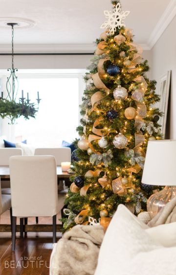 arbol de navidad azul y dorado fuerte