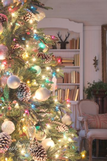 arbol de navidad de colores altos