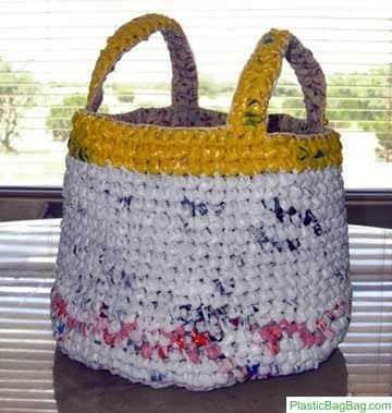 manualidades con bolsas plasticas para ordenar en casa