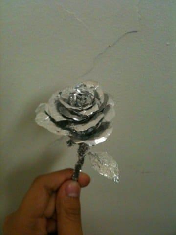 manualidades con papel aluminio paso a paso