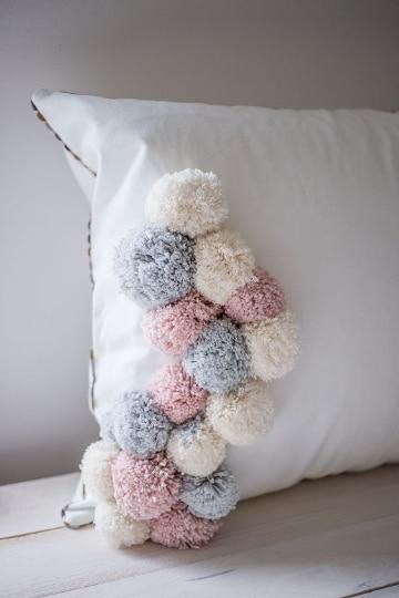 manualidades con pompones de lana para la casa