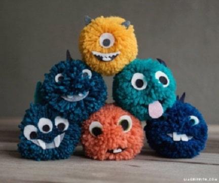 manualidades con pompones de lana para niños