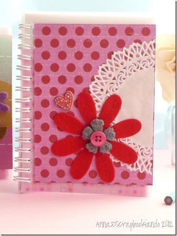 cuadernos decorados con foami para chicas