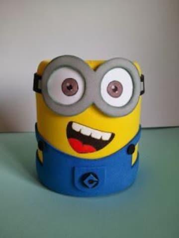 latas decoradas con goma eva divertidas