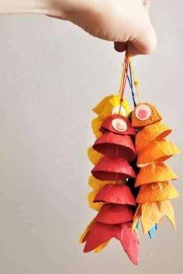 manualidades con hueveras para niños divertidas