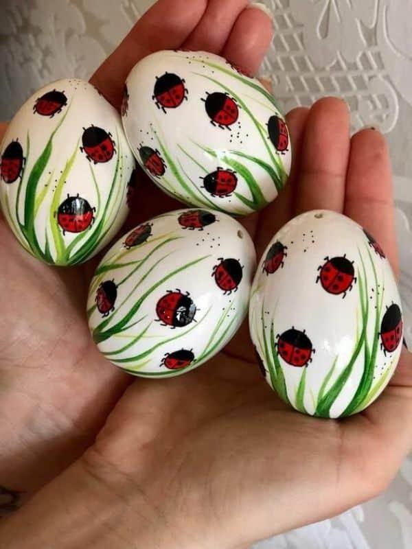 manualidades con cascarones de huevo sencillas