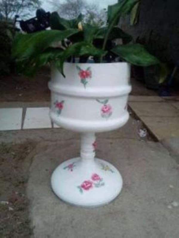 manualidades con garrafones de agua para jardin