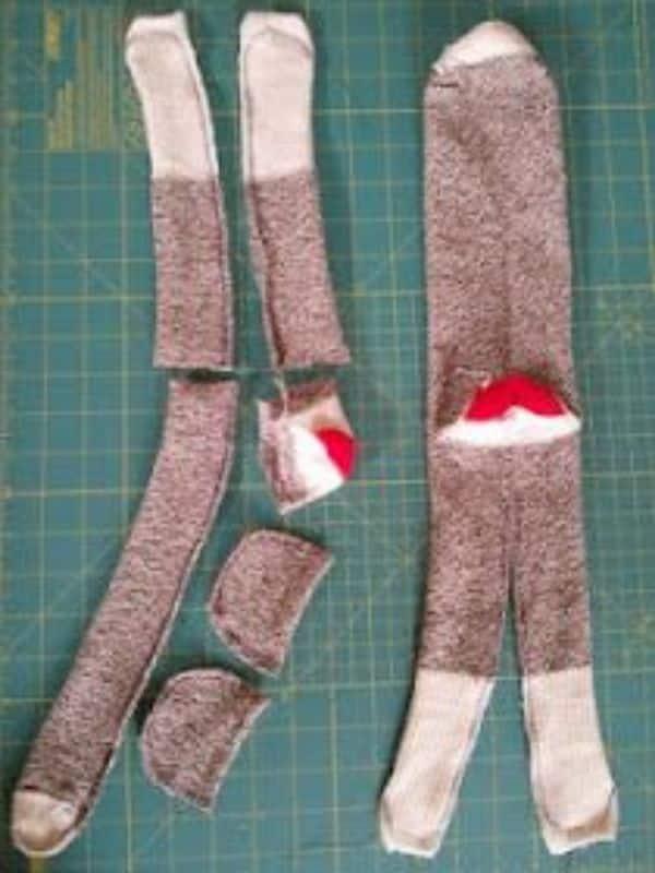 manualidades con medias viejas sencillas