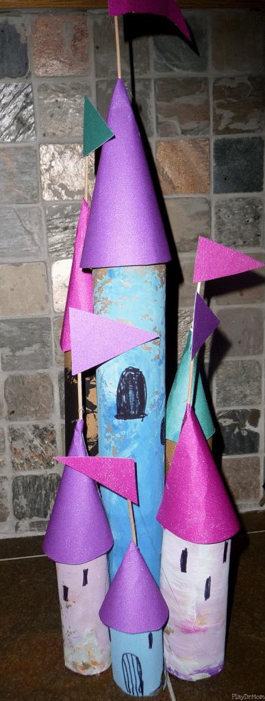 castillo con rollos de papel para niñas