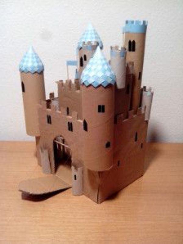 como hacer un castillo con rollos de papel