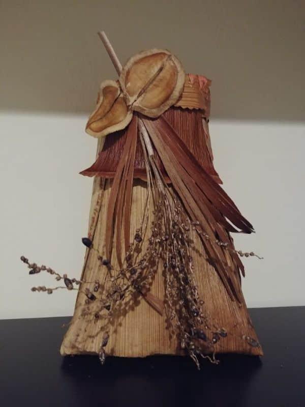 manualidades con hojas de palmeras secas para regalar