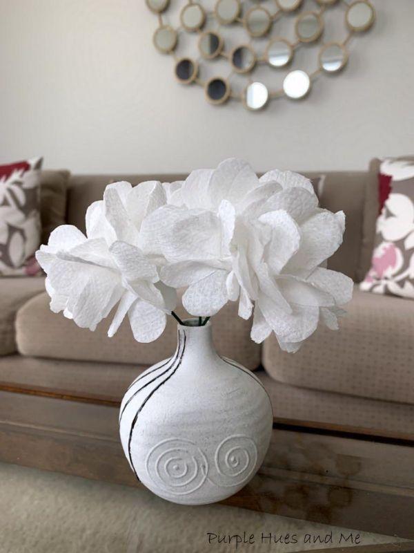 Flores de papel higiénico para la casa